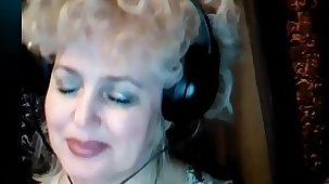 Retrogressive Blonde Mature Russian Wife Masturbating on Webcam