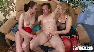 German generalized sharing cock with a mature bitch
