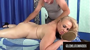 Age-old Masseur Rubs Impetuous Mature Slut Summer with Fingers and Toys