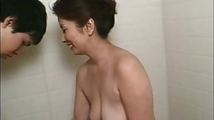 lives.pornlea.com Asian of age bathes young guy