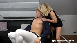 Frying 50 years old cougar rimming young boy's anus
