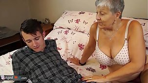 Aged lady Savana fucked away from student Sam Bourne