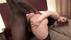 Horny cheating MILF Magda gets tushy fucked beyond make an issue of bed while her husband is at work