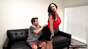 Big-busted Mam Kendra Lust Takes A Fat Pecker