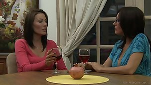 Zoey Holloway Introduces Raquel Sieb Just about MILF Inverted Sex
