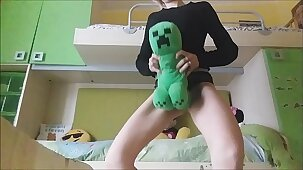 there is no doubt: my cousin still enjoys playing with her high-born toys but she shouldn't shrink from playing this way!