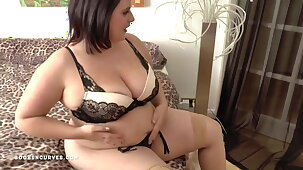 Well-endowed big ass Sarah has an older woman encounter